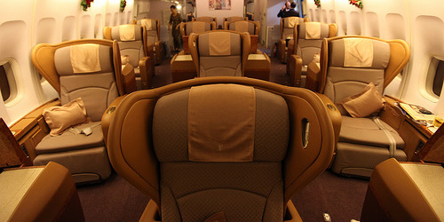 Difference between business class and first class for What is the difference between delta comfort and main cabin